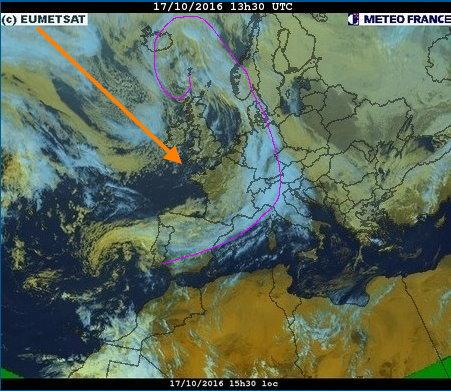 phénomènes climatiques à répétition : cyclones - Page 14 Cart1711