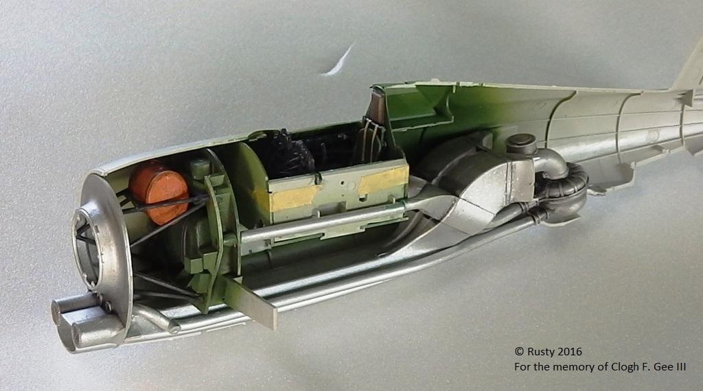 P-47D Thunderbolt : un avion, un pilote, un destin.  (Redux models 1/32) - Page 2 P1010034