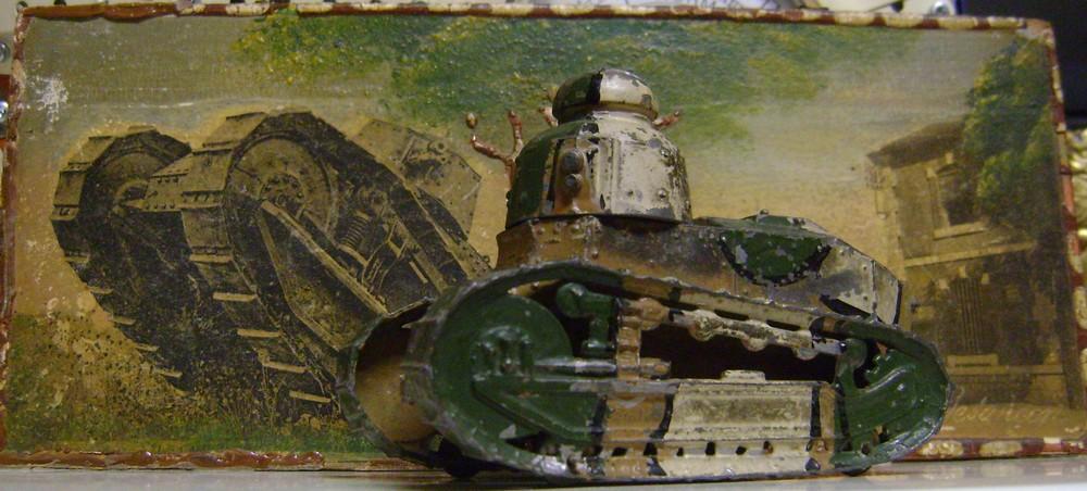 Les jouets militaires en tôle, plastique ou bois. - Page 3 Dsc01418
