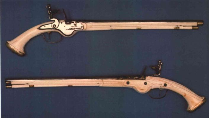 Les pistolets hollandais à crosse d'ivoire. Sans_t13