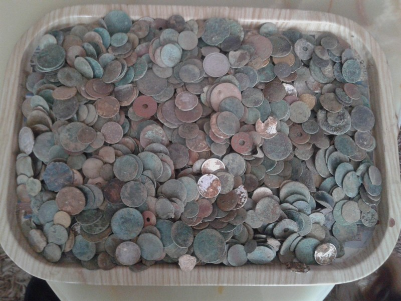 un plateau de monnaies 20161026