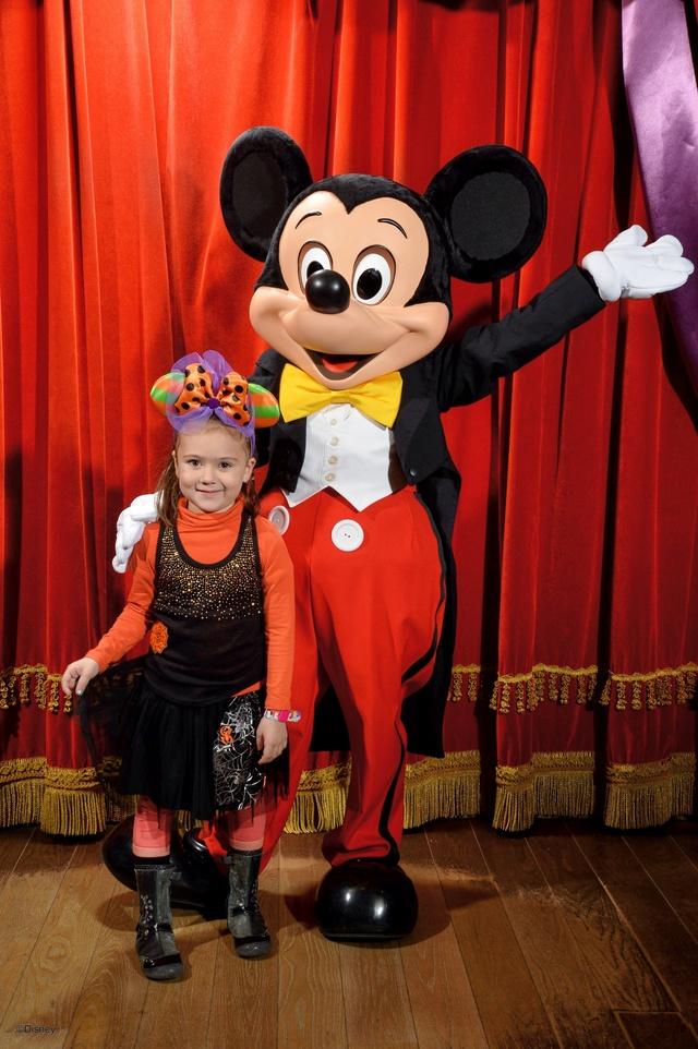 Meet Mickey Mouse à Fantasyland  - Page 12 10147212