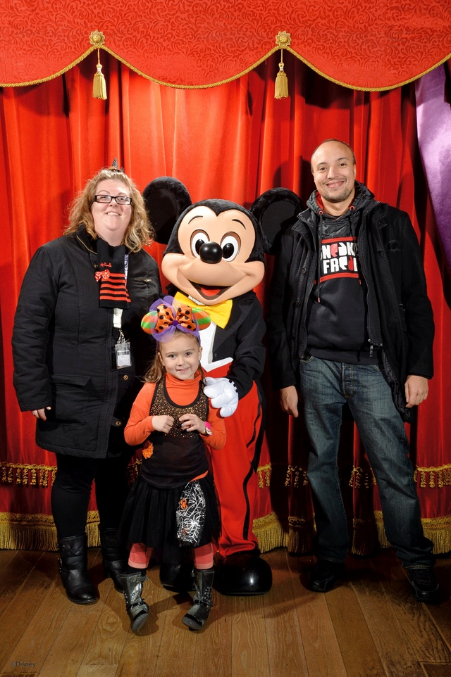 Meet Mickey Mouse à Fantasyland  - Page 12 10147214