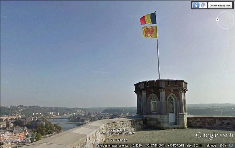 Street View : les belgicismes illustrés Coq_ha10
