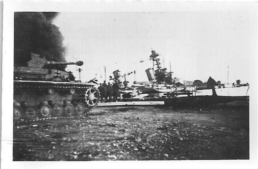[Histoire et histoires] Toulon : Sabordage de la Flotte (photos) - Page 4 811