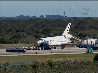 [STS-129] Atlantis : retour sur Terre 27/11/2009 - Page 3 Sans_t19