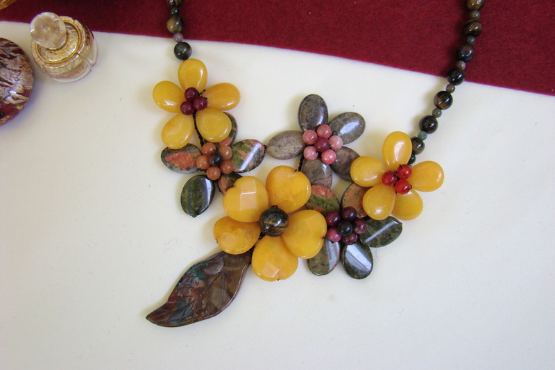 """""""Flori de piatră-Bijoux"""" albumul I-bijuterii artizanale marca Didina Sava - Pagina 3 Colier58"""