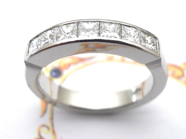 Bague palladium sans soudure avec 7 diamants princesses de 10/100 ct chacun Dscn9514