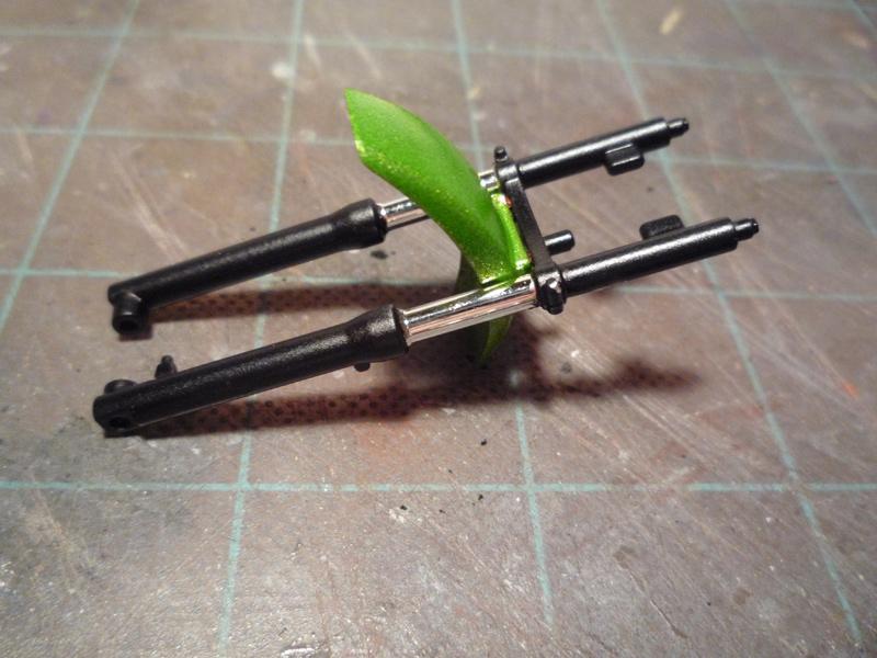 Ape deluxe Honda (version naked bike) P1080018
