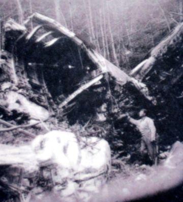 Stèle d'un Halifax dans le Vercors Autran12