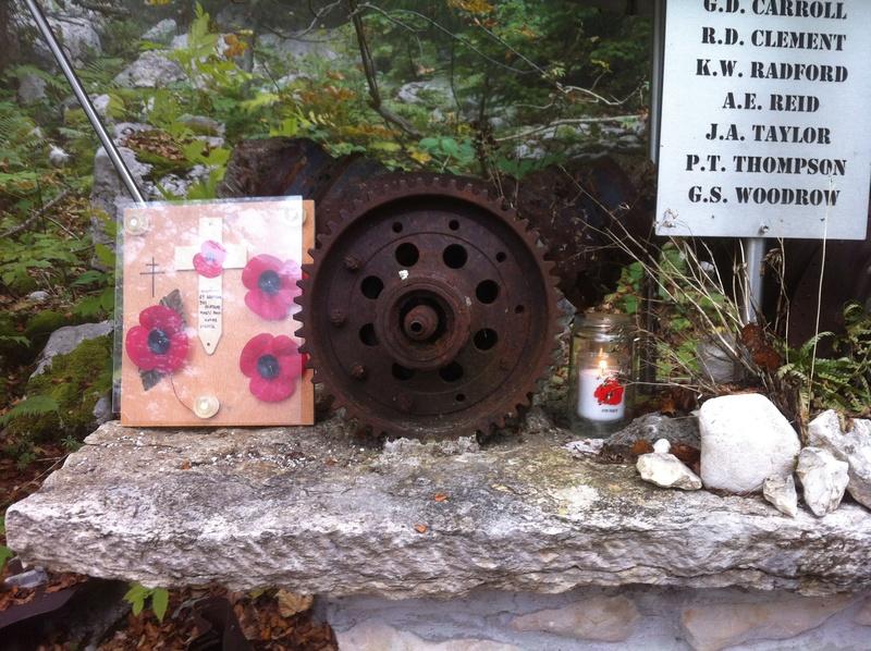 Stèle d'un Halifax dans le Vercors Img_4826