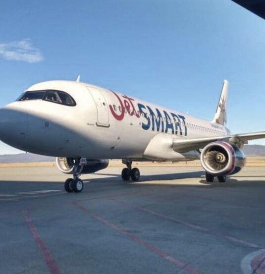 Low cost realizó un vuelo humanitario a Ushuaia. 001107