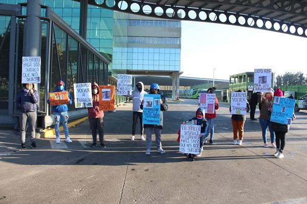 Malvinas Argentinas: Manifestación de trabajadores tercerizados de Vía Bariloche 001113
