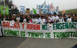 Moreno: Multitudinaria movilización por Sandra y Rubén a un mes de la tragedia. 00129