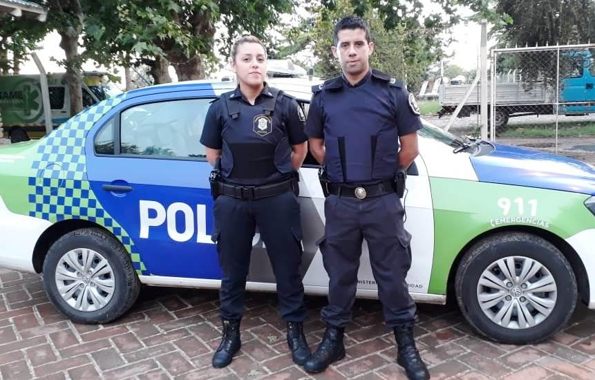 Policía Bonaerense: efectivos parteros en San Miguel, La Plata y Marcos Paz. 00137