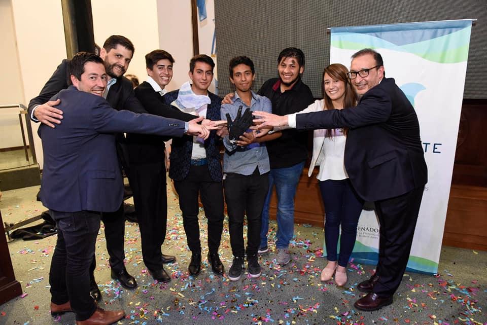 bourg - Malvinas Argentinas: premian a la Escuela Técnica Nº 1 de Grand Bourg. 00141