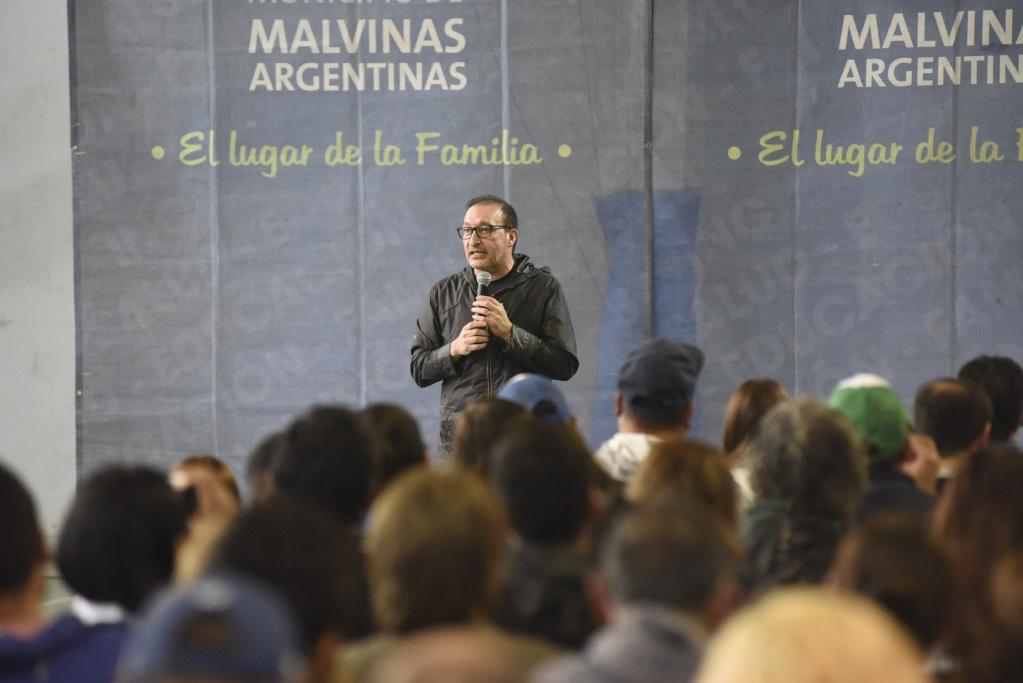Malvinas Argentinas: subsidios a 80 instituciones. _dsc8610