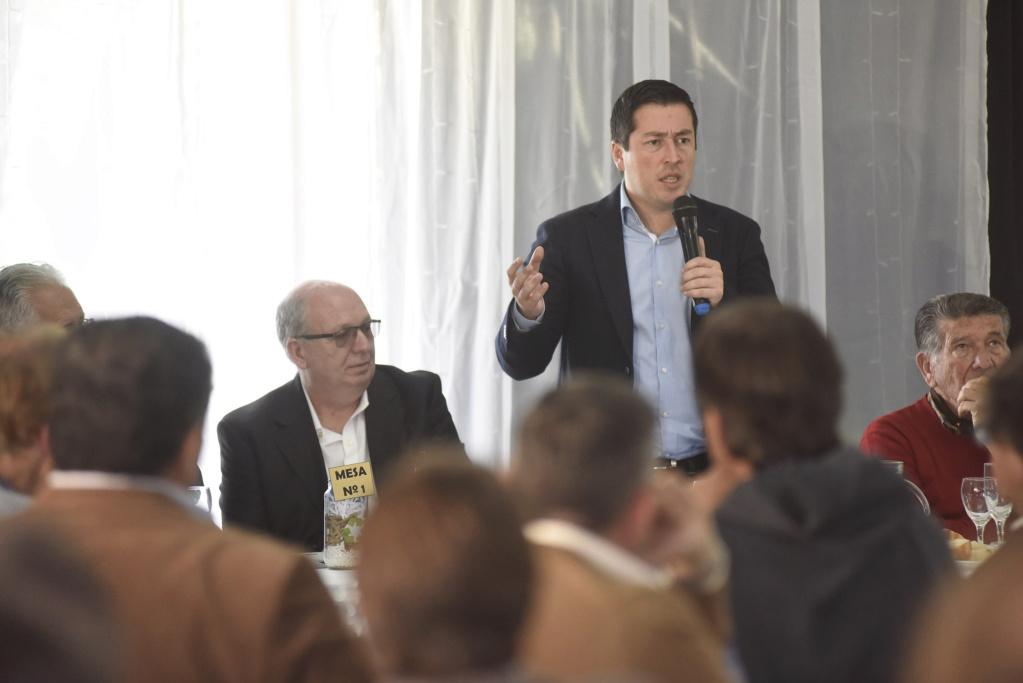 Malvinas Argentinas: Nardini con empresarios de la industria. _dsc9210