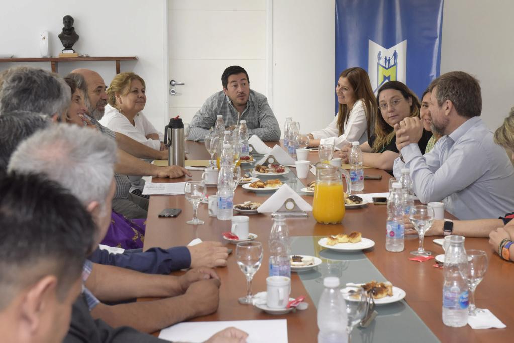 Malvinas Argentinas: Nardini firmó convenios relacionados con la Regularización Dominial y el Hábitat. _jcc2510