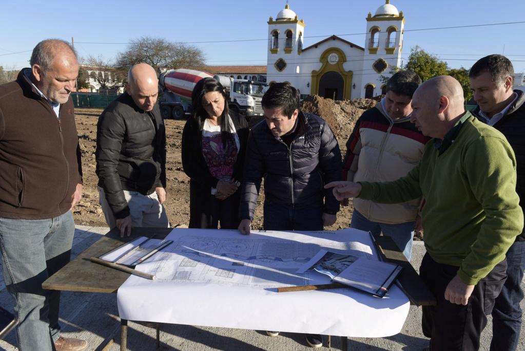 Malvinas Argentinas: recuperación de la Plaza Mailín. _jcc7110