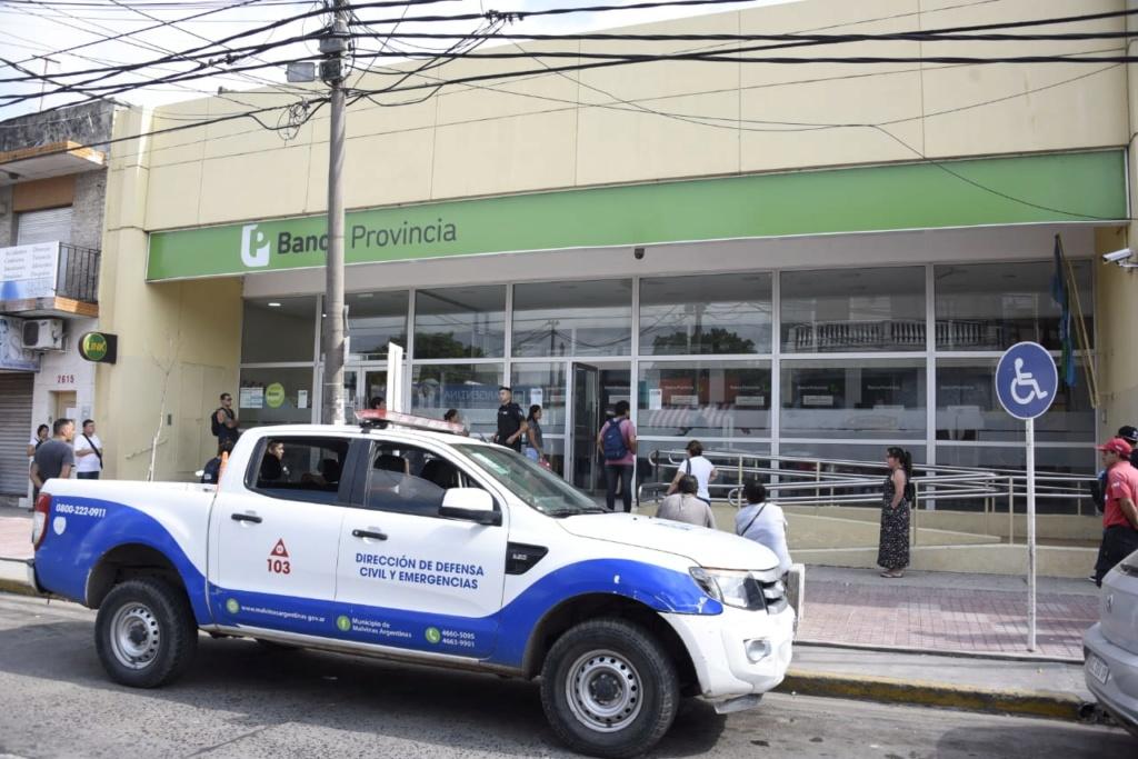 Malvinas Argentinas: distanciamiento social en entidades bancarias Img-2039