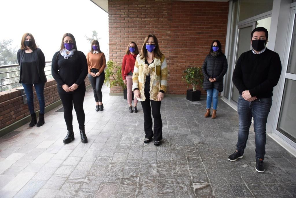 Nardini con la ministra Estela Díaz y ayuda a quienes sufren violencia de género Img-2048