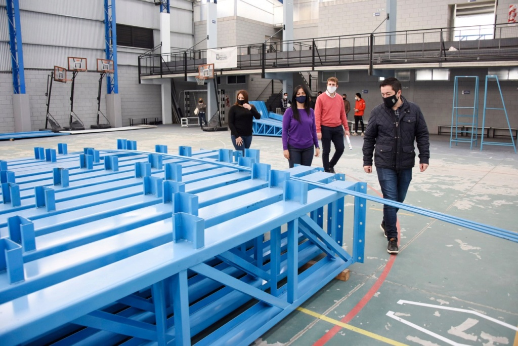 Malvinas Argentinas: Nardini visitó el polideportivo de Ing. Pablo Nogués. Img-2056