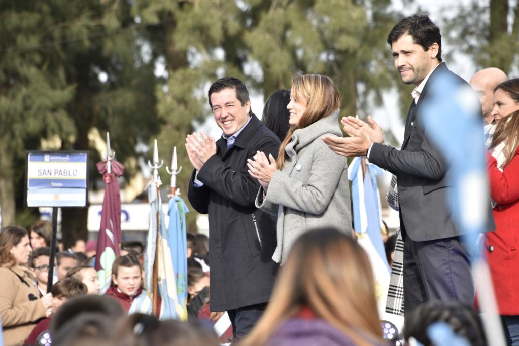 Malvinas Argentinas: 3 mil niños prometieron lealtad a la bandera Pb_610