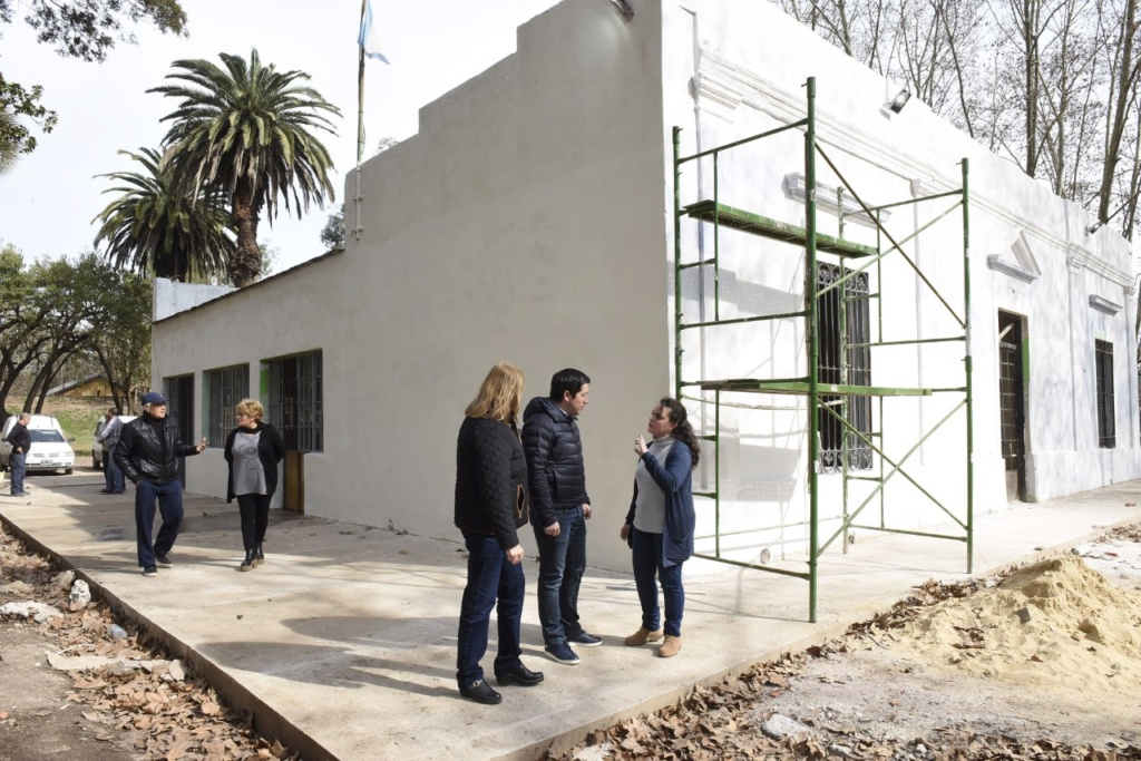Malvinas Argentinas: Se construye a nuevo el espacio de los adultos mayores. Thumbn12