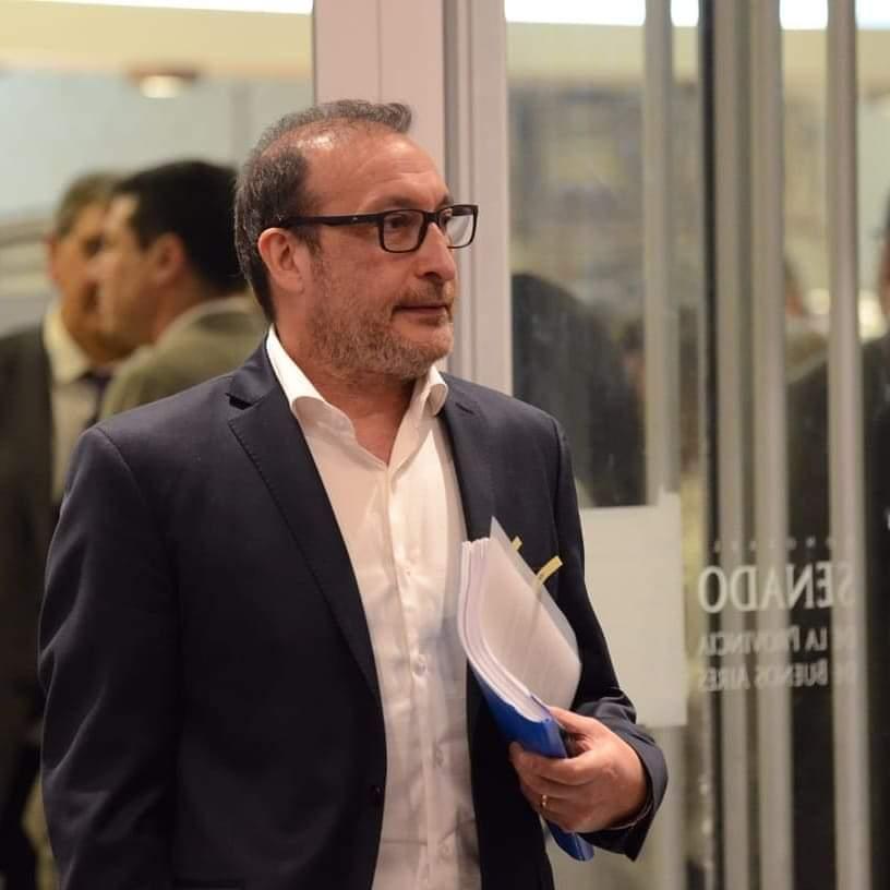 El senador Luis Vivona impulsa que sea ley la donación de plasma para tratar el Covid-19. Vivona11