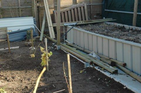 travailler un jardinet  à 0,50 mêtre du sol . Jardin11