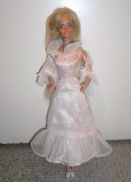 Les Barbie d'Anubislebo - Page 9 Sam_3928