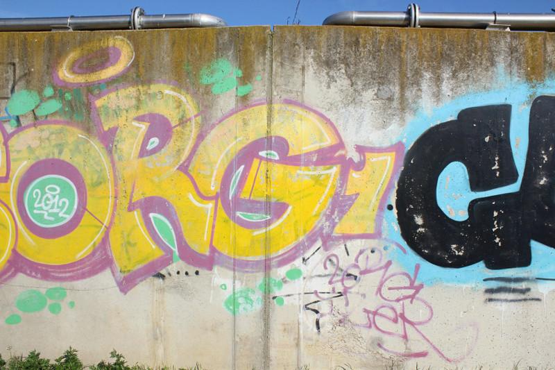 CONCOURS PHOTOS SEPT 16 - Murs détournés : peintures, tags, graffitis - BREAKING NEWS : SWEDE ET FFFF GAGNENT !!! 00211