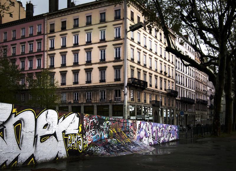 CONCOURS PHOTOS SEPT 16 - Murs détournés : peintures, tags, graffitis - BREAKING NEWS : SWEDE ET FFFF GAGNENT !!! 00811