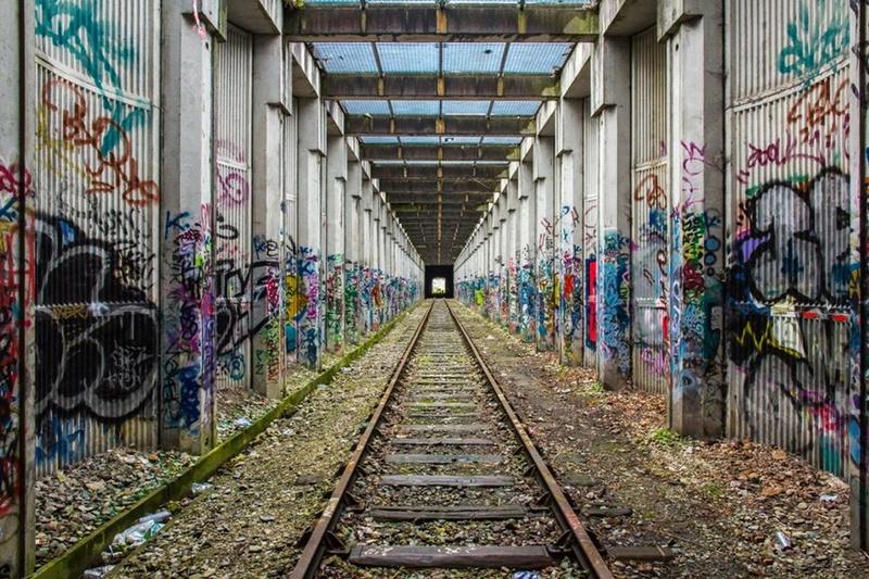 CONCOURS PHOTOS SEPT 16 - Murs détournés : peintures, tags, graffitis - BREAKING NEWS : SWEDE ET FFFF GAGNENT !!! 01011