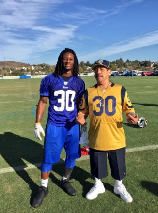 Los Angeles Rams - Page 3 919_st20