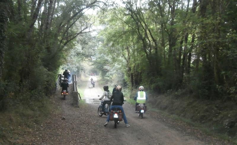 Balade en Mobylette à Aubigny 18 septembre 2016 - Page 2 P9180010