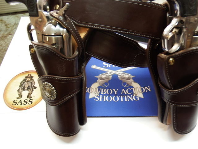 ALBUQUERQUE C.A.S HOLSTERS by SLYE Dscf0523