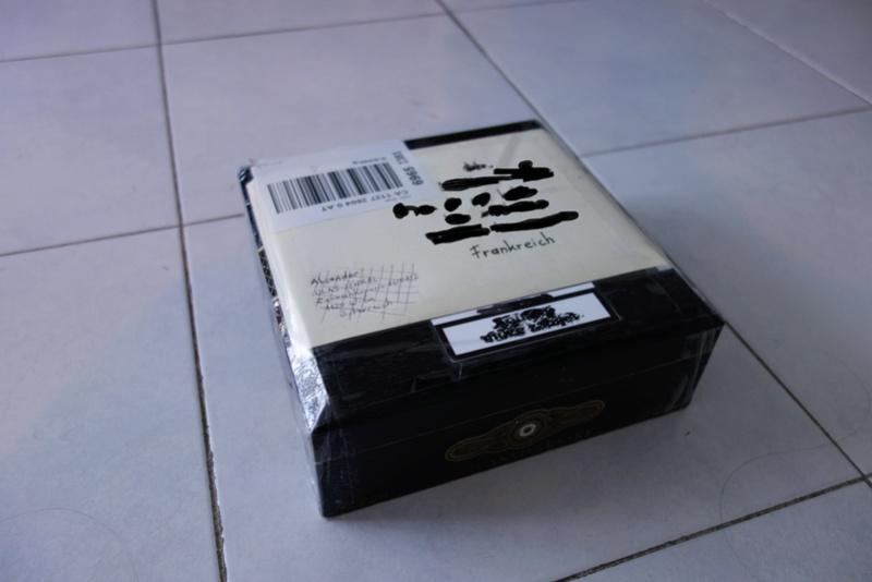 le topic des emballages les plus fous des colis que vous recevez Dsc02710