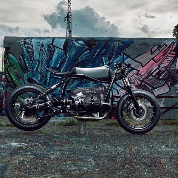 C'est ici qu'on met les bien molles....BMW Café Racer Image43