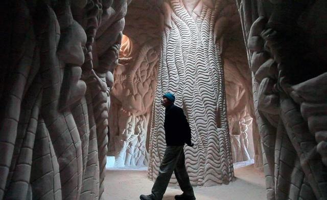 LES CAVERNES SCULPTEES DE RA PAULETTE Carved10