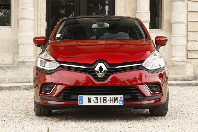 2016 renault clio iv restyl e page 40. Black Bedroom Furniture Sets. Home Design Ideas