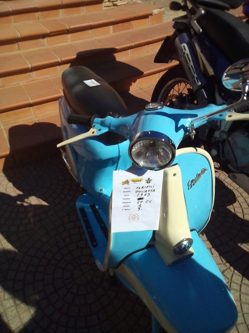 Foto di moto d'epoca o rare avvistate per strada - Pagina 16 Img_2030