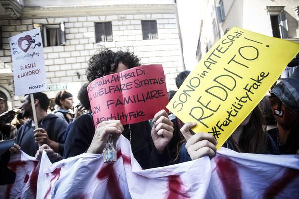 Fertility day: protesta a Roma, chieste dimissioni ministro 1b297710