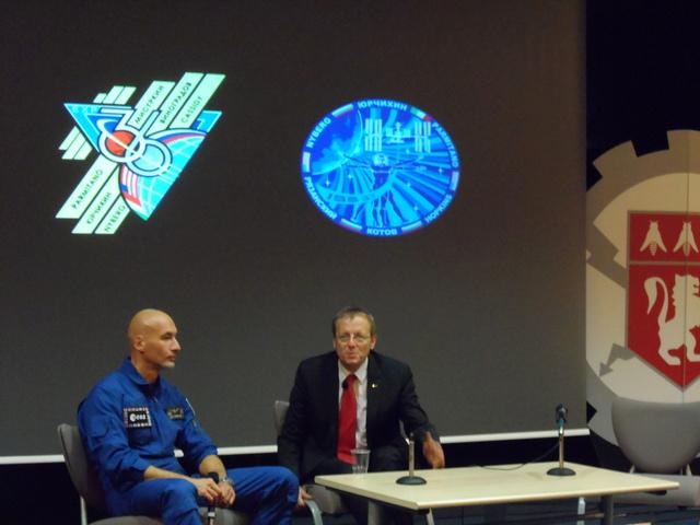 Un astronaute et le directeur de l'ESA à l'école centrale de Lyon. Compte-rendu. Sam_6515