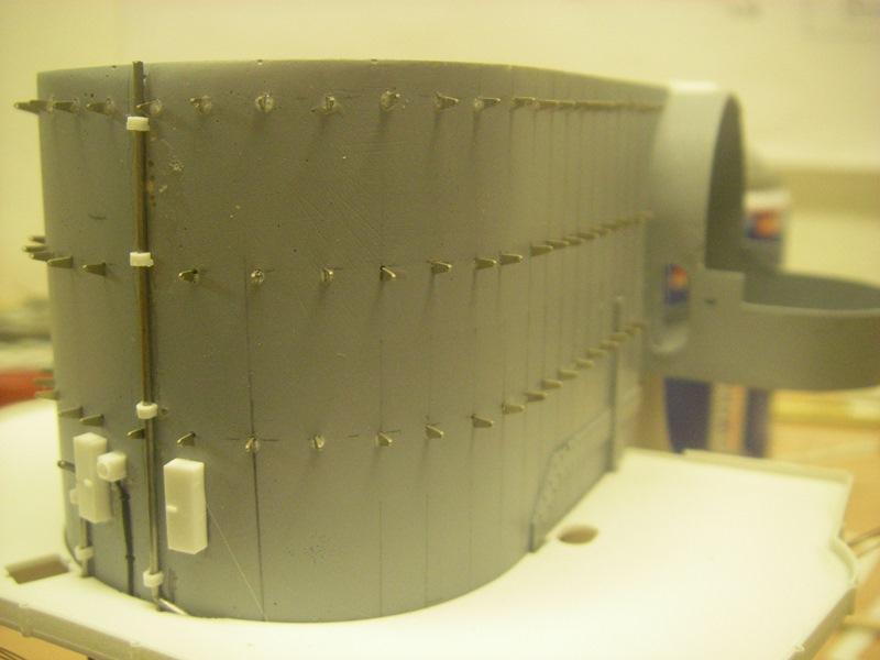 Bismarck 1:100 nur die Aufbauten  - Seite 4 Imgp8775