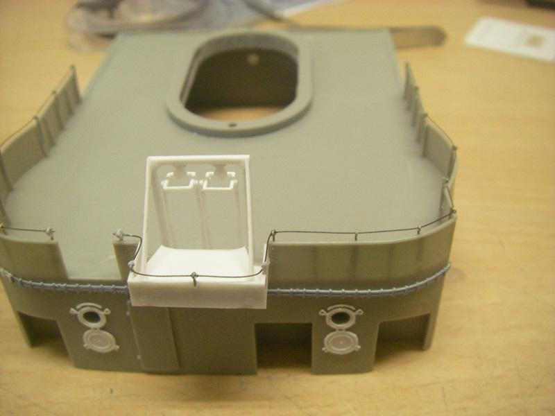 Bismarck 1:100 nur die Aufbauten  - Seite 4 Imgp8889