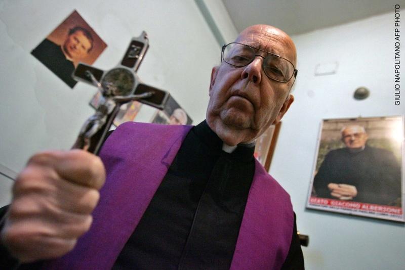 R.I.P. Le Père Amorth célèbre exorciste est décédée à l'âge de 91 ans Web-0011
