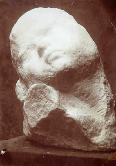 Le dialogue de Brancusi avec Rodin : quelques superbes plantes ont bel et bien poussé à l'ombre du grand arbre! Brancu14