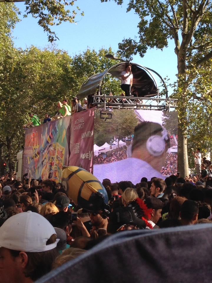 [24/09/2016] Technoparade @Char Haribo Pik Soonvibes - Paris - France 14370410